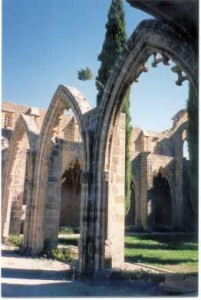 images      Bellapais_abbey_01