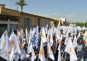 images Cyprus Flags 15,11, cache_726x510_Crop_medium_454273_7021161_15112017